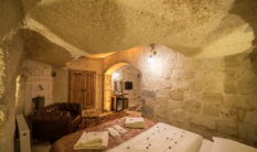 Standard Cave Rooms