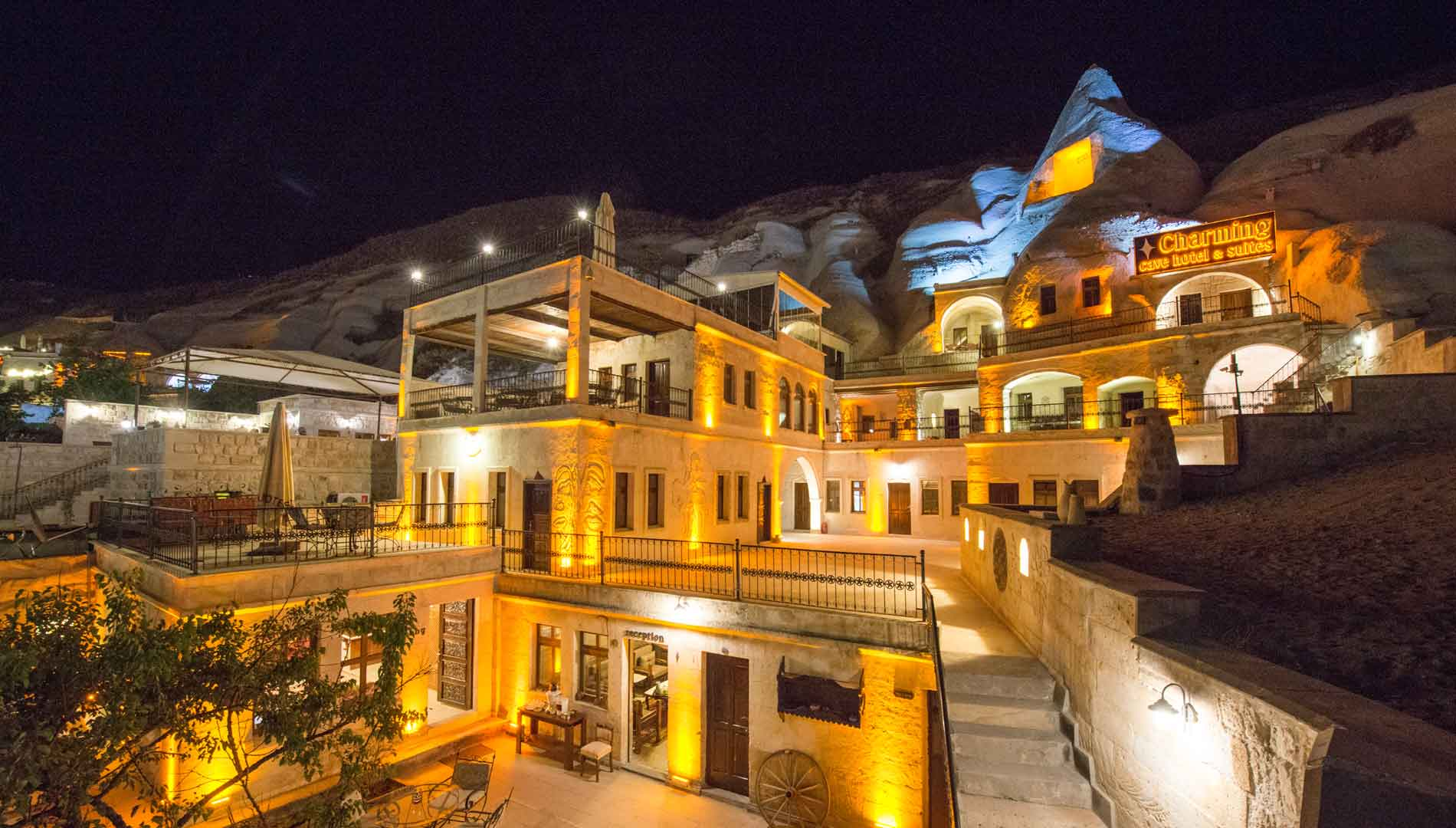 The charming cave hotel for Quaint hotel